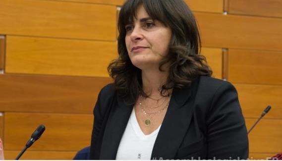 """Le proposte di Nadia Rossi (Pd) sui lavoratori frontalieri:""""Confronto con il nuovo Governo per definire una convenzione per il riconoscimento della Legge 104, trasformazione della franchigia da quota fissa a percentuale e per l'approvazione dello Statuto dei lavoratori frontalieri"""""""