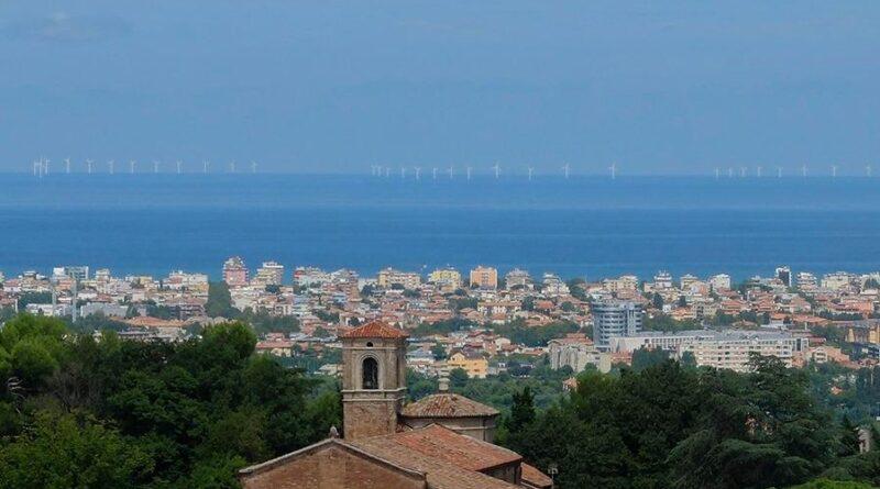 La Consigliera Dem Nadia Rossi boccia il grande impianto eolico off-shore davanti alla costa di Rimini