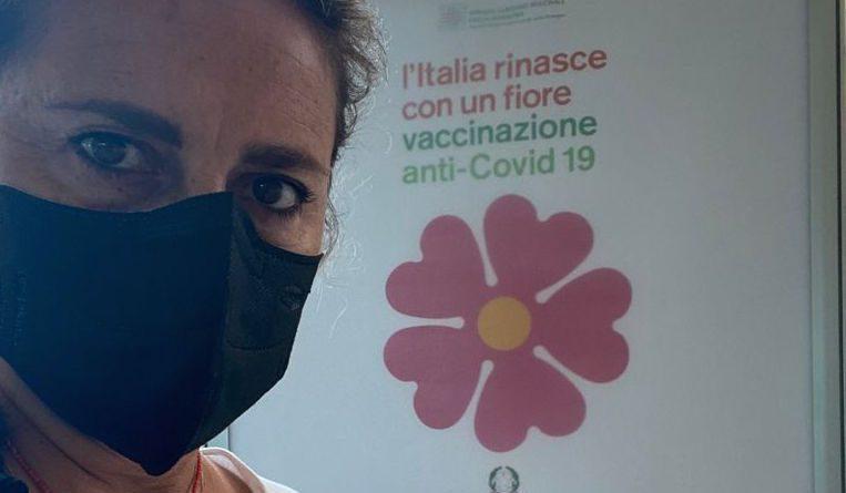 """Nadia Rossi: """"Chi è furbo e generoso si vaccina per proteggere sé stesso e gli altri"""""""